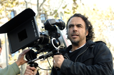 Alejandro_González_Iñárritu_with_a_camera_in_production.jpg